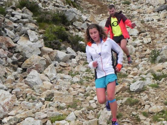 Julia, ganadora Sub 18 en los 10 kilómetros. (MV Foto).