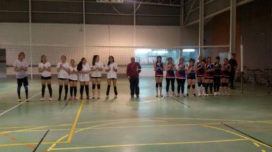Villaviciosa (blanco) y Noreña. Ábitro Pepe.