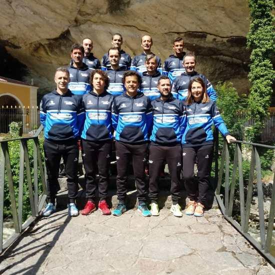 Sección de atletismo en la Cueva de Infiesto